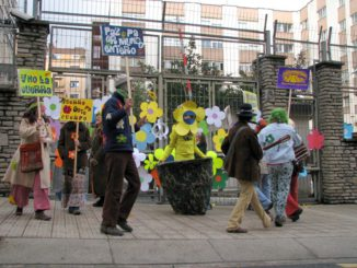 Carnaval Antimilitarista 2-2-2008 01